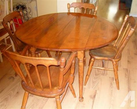 Walter of Wabash vintage drp leaf maple table and 4 chairs ...