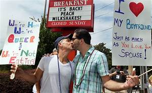 Chick-fil-A debate turns to 'kiss-ins' - Portland Press Herald