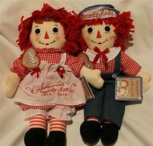 Raggedy Ann & Andy Picnic Dolls 100th Anniversary Pair
