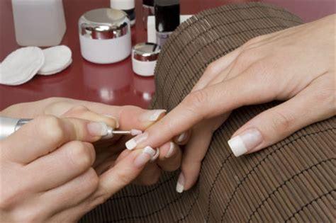 nägel mit steinchen nageldesign und nail
