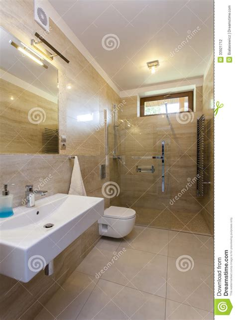 salle de bains travertin salle de bains de travertin photographie stock image 33921712