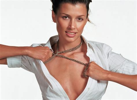 Bridget Moynahan Bra Size and Body Measurements ...