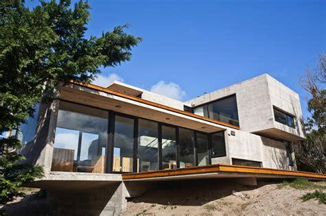 canape kartell maison contemporaine en béton par bak architects