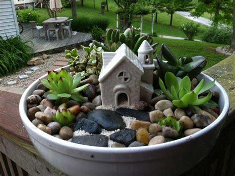 15 Easy Diy Backyard Succulent Garden Ideas