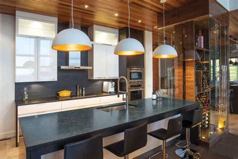 cuisine avec cellier magazine prestige des cuisines conçues pour recevoir