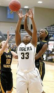 Broken Arrow vs Sand Springs girls basketball game - Tulsa ...