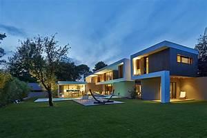 best maison moderne architecte gallery amazing house With plan maison avec patio 12 ha 10 villa contemporaine par hybre architecte en gironde