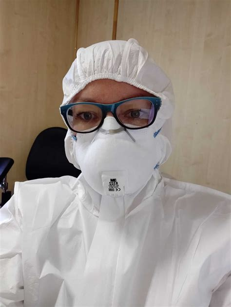Maija strādā! #paliecmājās | RSU Sarkanā Krusta medicīnas ...
