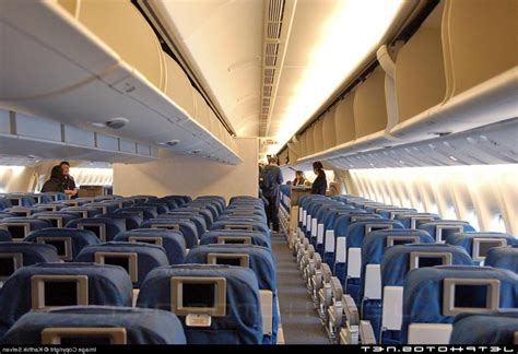 Boing 777 Interior by Boeing 777 Interior Photos United Airlines