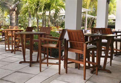 Restaurant Patio Furniture by Teak High Top Patio Tables And Chairs At An Outdoor
