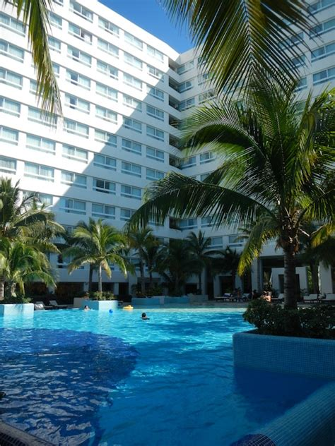 Hotel Review Grand Oasis Palm All
