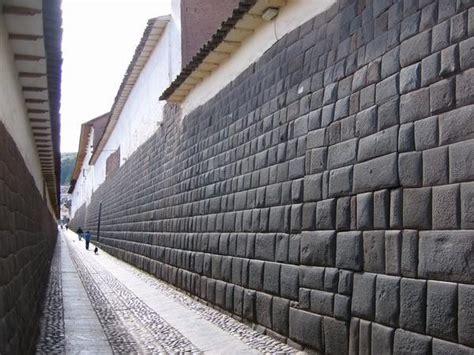 walls  cuzco photo