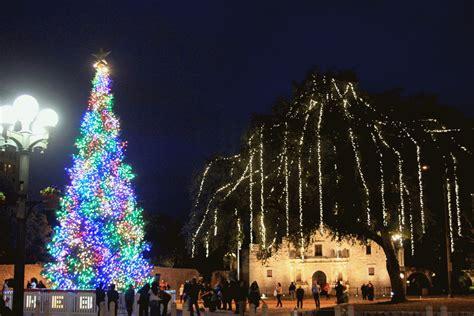 rock oak deer alamo plaza lights up for the holidays