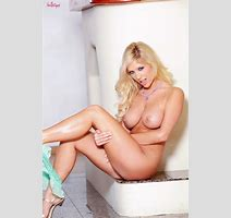 Busty Tasha Reign Shows Pink Pussy