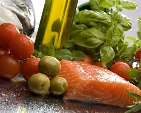 mediterranean diet reduces risk of premature death by 30 percent study says naturalhealth365