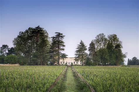 chambres d hotes bordeaux chambres d 39 hôtes au château le pape à léognan près de bordeaux
