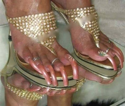 paint  toenails grow  long ugly