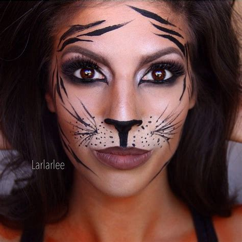 tiger schminken frau tiger make up schminken fasching makeup und tiger makeup