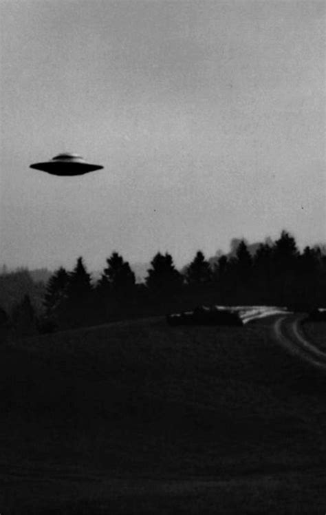 Aesthetic Ufo Wallpaper Iphone by 86 Best Of Ufo Images On Aesthetic