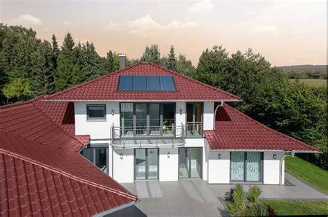 Rote Dachziegel Graue Fenster by Dachziegel Oder Dachsteine Was Ist Der Unterschied