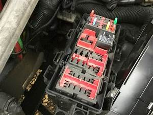 Freightliner Cascadia Fuse Box In Spencer  Ia  24664261