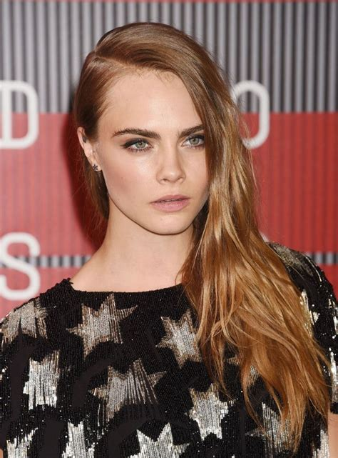16 Dark Blonde Hair Colors to Instantly Dramatize Your