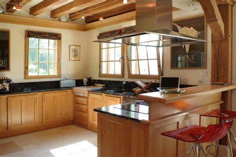 cuisine ch麩e massif meuble de cuisine en bois massif cuisine chene massif meubles de cuisine en bois
