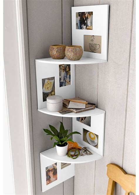 etagere dangle avec cadres  deco displaying