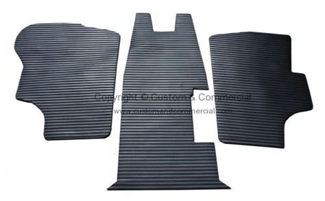215863711rr rubber cab floor mat 3 piece rhd 80 91