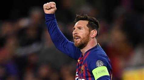Barcelona vs. Lyon score: Messi scores two goals as Barca ...
