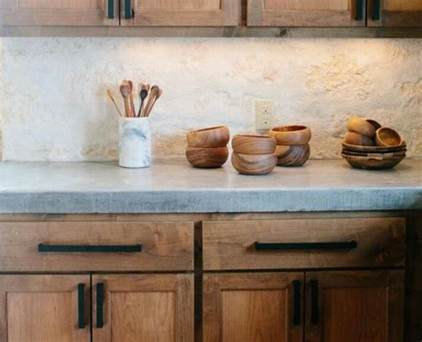 rock cabinet best 25 rock backsplash ideas on