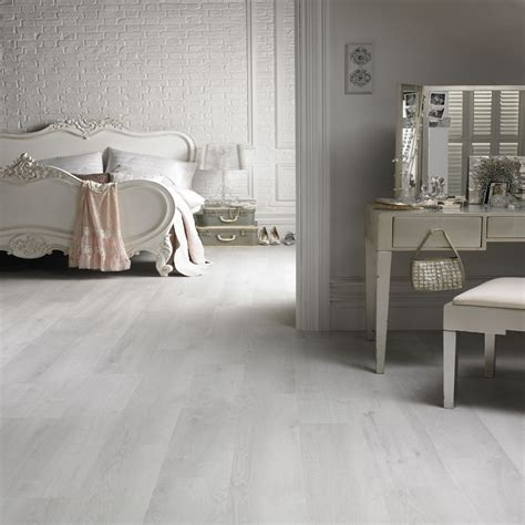 whitewash effect laminate flooring   white wash