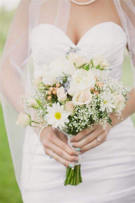 Country Chic Farm Wedding Small Wedding Bouquets Daisy