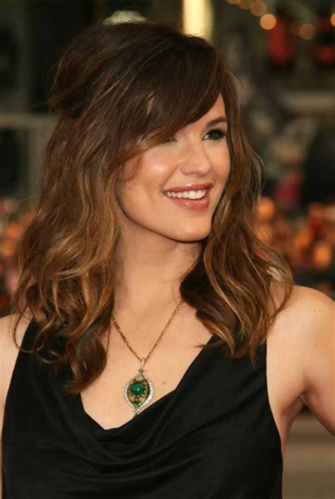 33 Best Hairstyles for Your 40s Medium hair styles for