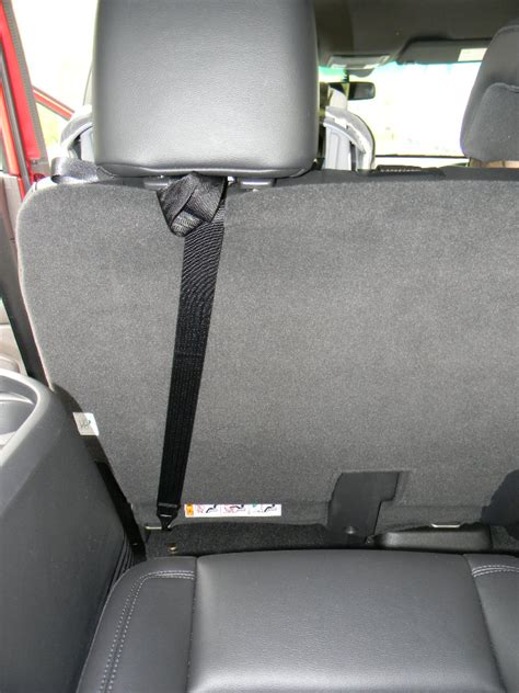 ford explorer limited  inflatable seatbelt technology