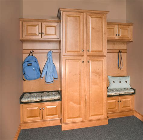 Wolf Classic Cabinets Pdf by Wolf Classic Cabinets Saginaw Traditional Entry