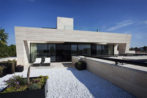 Sv House In Spain From Acero