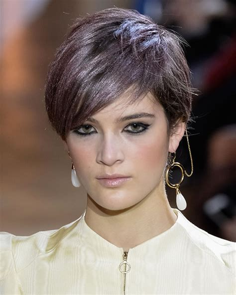 Pixie Haircuts for Fine Hair 2018 2019 : Curly wavy