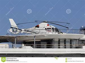 Hélicoptère De Luxe : h licopt re dans un yacht de luxe photo stock image 58666019 ~ Medecine-chirurgie-esthetiques.com Avis de Voitures