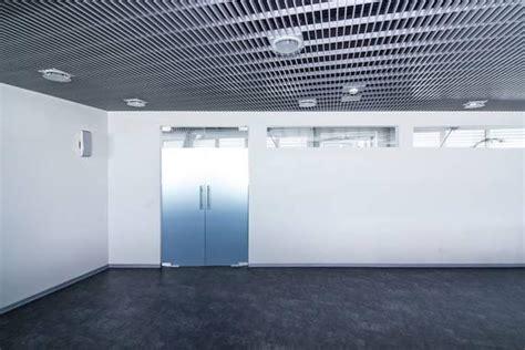 plafonds et faux plafonds metalliques tous les fournisseurs plafond metallique plafond