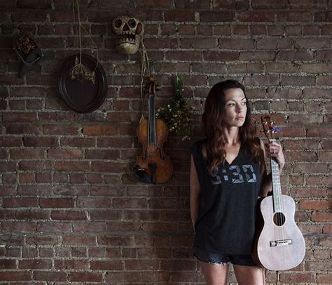 Amanda Shires  Bio, Facts, Family  Famous Birthdays