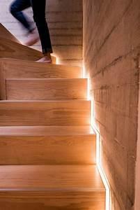 Treppenbeleuchtung Led Außen : die led lichtleiste 30 ideen wie sie durch led leisten verlockende innendesigns schaffen ~ Markanthonyermac.com Haus und Dekorationen
