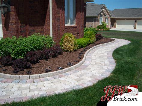 paver walkway design ideas paver walkway designs landscape traditional with brick paver designs brick beeyoutifullife com