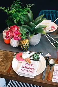 Deco Table Tropical : 25 best ideas about tropical tabletop on pinterest ~ Teatrodelosmanantiales.com Idées de Décoration