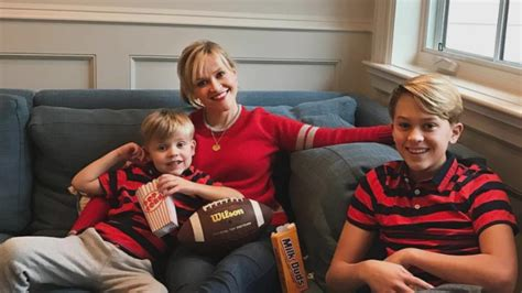 reese witherspoons sons  twinning   super bowl