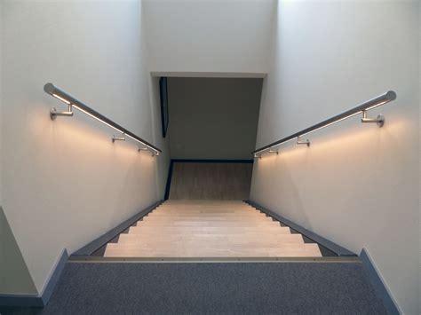 cuisine type atelier re d 39 escalier murale à led éclairage doux dans votre