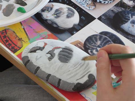 chats peints sur galets