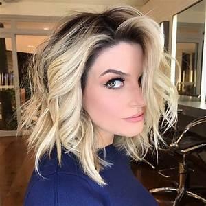 10 Latest Medium Wavy Hair Styles For Women Shoulder