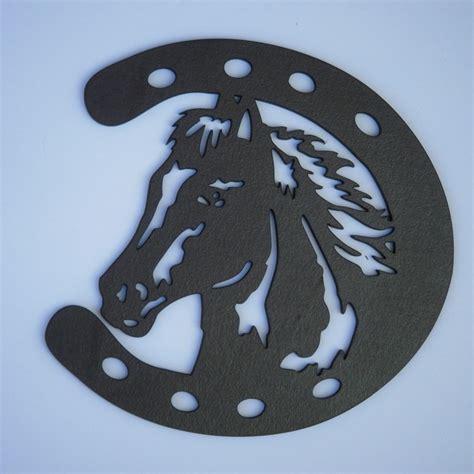 t 234 te de cheval dans un fer 224 cheval silhouette en bois d 233 coup 233 decoration and silhouette