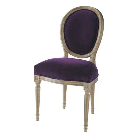 chaise médaillon maison du monde chaise médaillon en velours et chêne massif aubergine louis maisons du monde